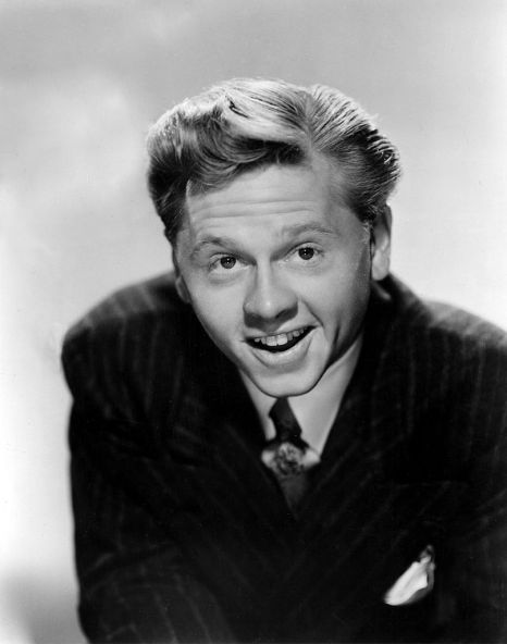 Reference:  http://upload.wikimedia.org/wikipedia/commons/thumb/c/c5/Mickey_Rooney_still.jpg/806px-Mickey_Rooney_still.jpg