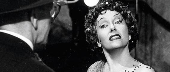 Reference:  http://www.wineandbowties.com/wordpress/wp-content/uploads/2011/06/30-gloria-swanson-norma-desmond-sunset-boulevard-1990-630-75.jpg