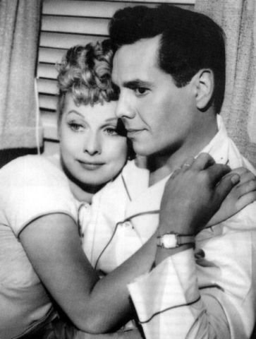 http://photos.lucywho.com/lucille-ball-and-desi-arnaz-photos-t1718485.html